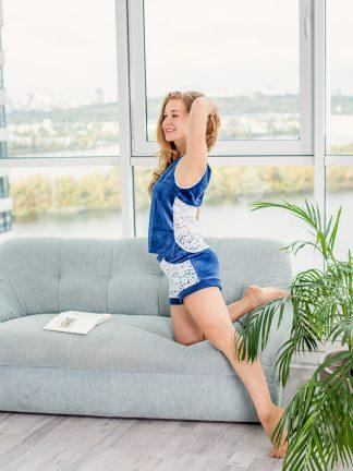 замечательный синий велюровый костюм, купить синий велюровый костюм, женский синий велюр, удобный костюм с велюра, комфортный синий костюм, синий костюм заказать, женский удобный костюм, женский комбинезон для дома, отличный костюм домашний, одежда синего цвета, недорогой женский костюм синего цвета